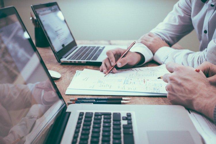 Choisir le meilleur courtier en ligne pour investir en bourse