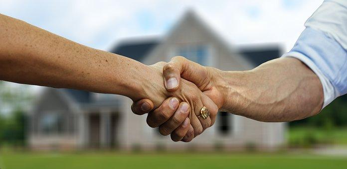 Gérer son bien immobilier à distance - Agence immobilière