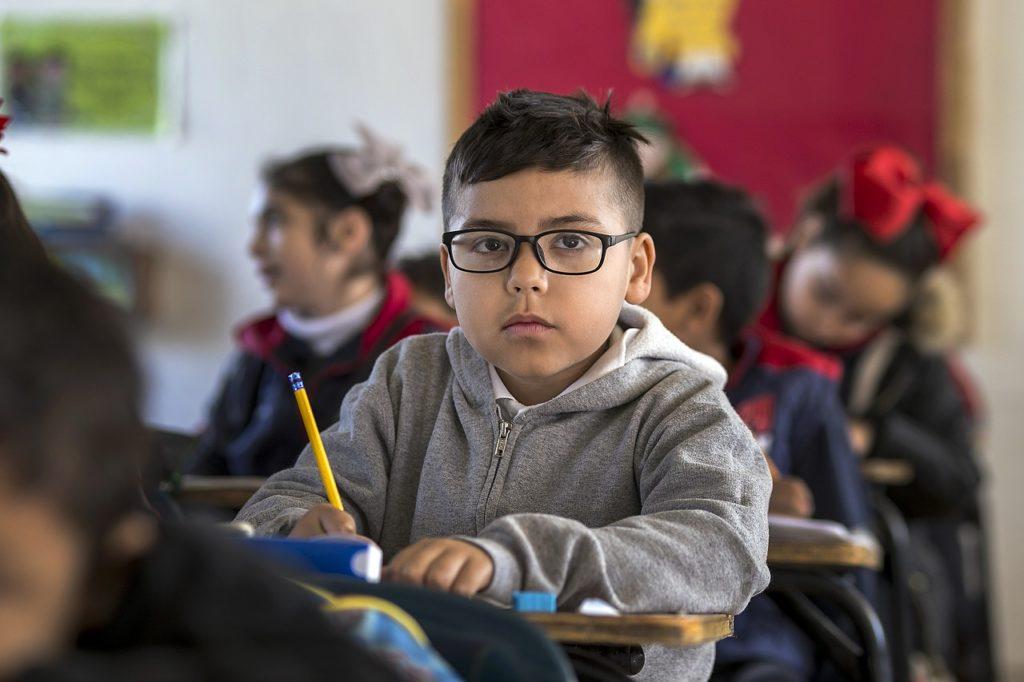 Esprit riche - L'école permet d'assurer l'avenir